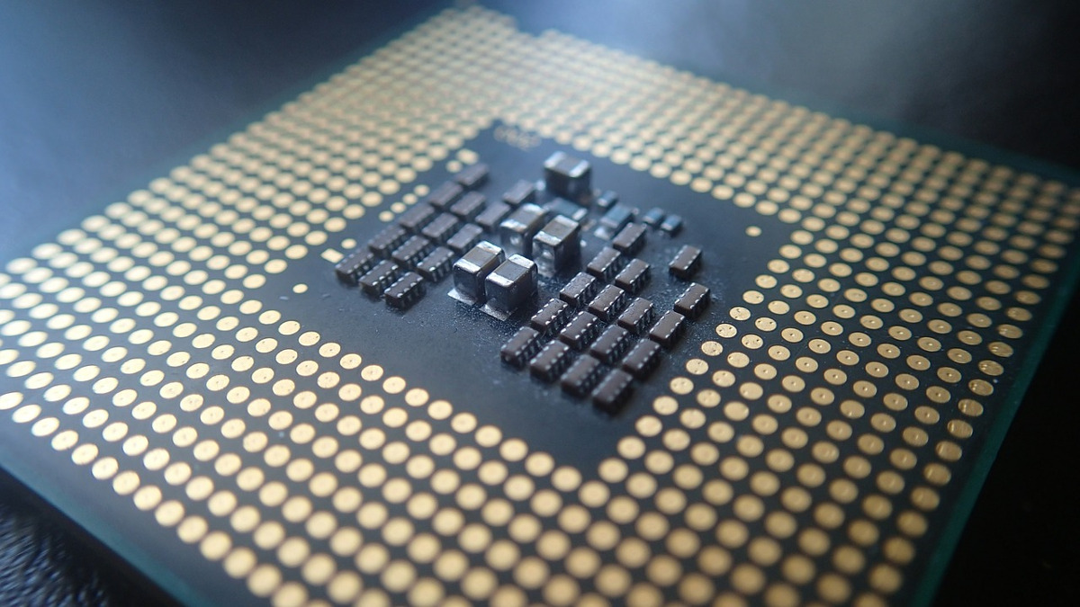 サムネイル:CPUの基盤