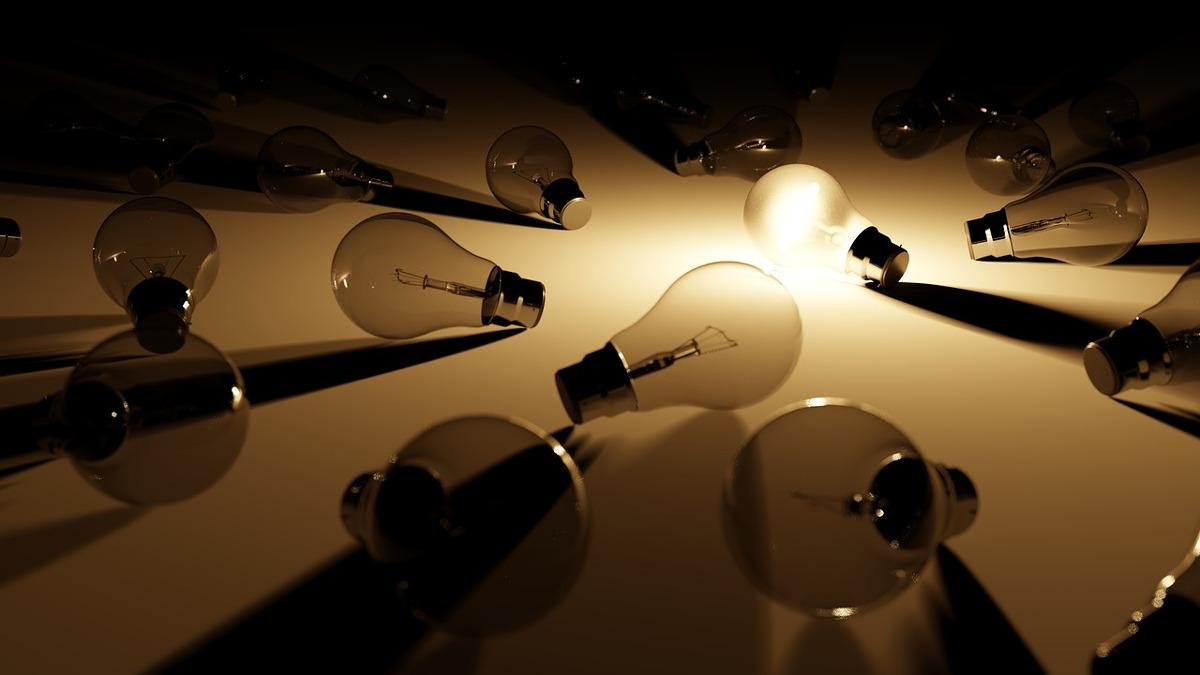 サムネイル:転がった電球