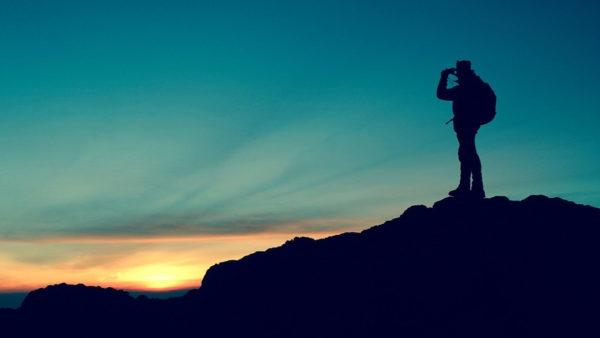 アイキャッチ:登山の夜明け